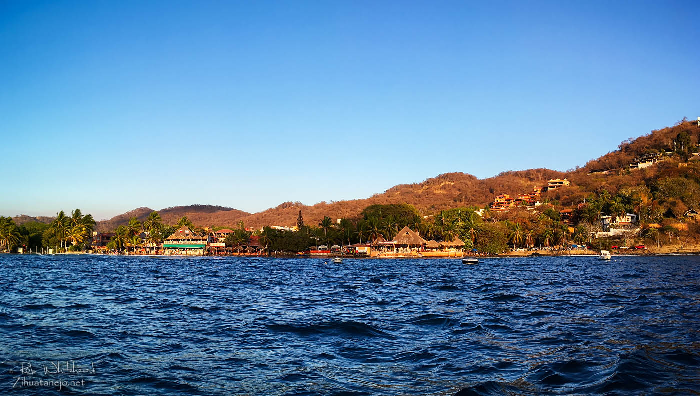 Restaurants at the southern end of La Ropa Beach, Zihuatanejo Bay